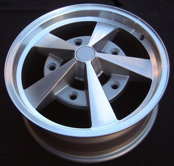 Fabricados por Wheel Corporation of America contaba con dos ediciones