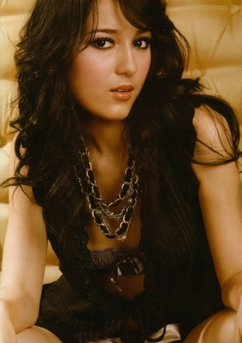 hot seksi artis indonesia Julie Estelle Picture Celebrity Style