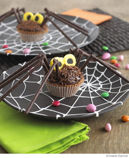 Yummy Chocolate, Orange Spider Halloween Cupcakes. Click here for ...