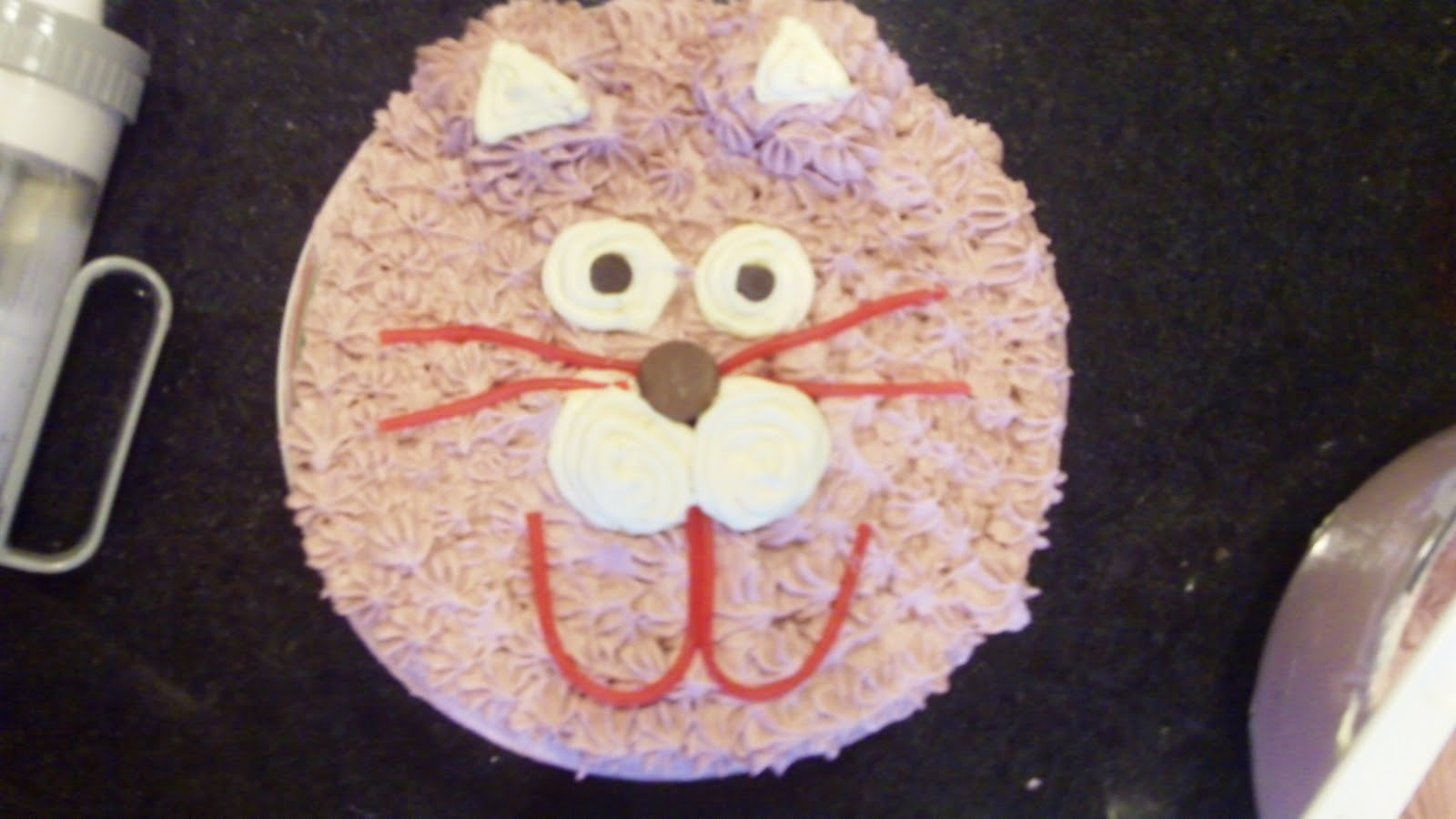 Keeping It Simple: Cat Cake...MEOW