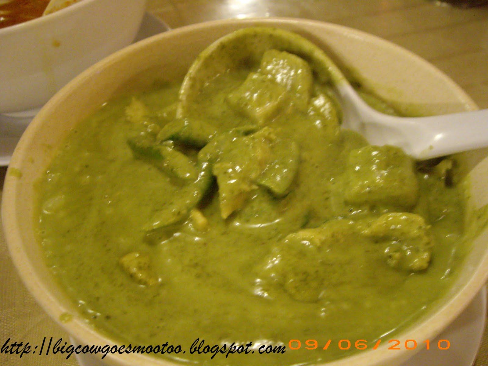 Green Curry Chicken. NAIS! :D