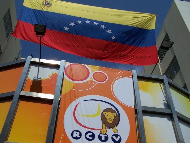 EL PUEBLO VENEZOLANO PIDE QUE RCTV VUELVA  A SU SEÑAL  ABIERTA