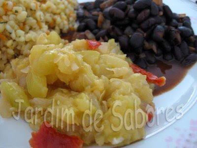Feijão Preto com Salteado de Courgette e Tomate Seco