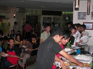Cafe Lantai 4 MTC Karebosi senin kemarin (23/8) Management MTC dan ...