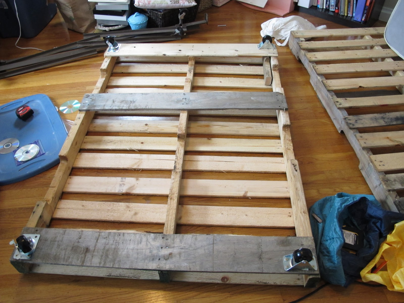 Diy Pallet Platform Bed P is for platform bed