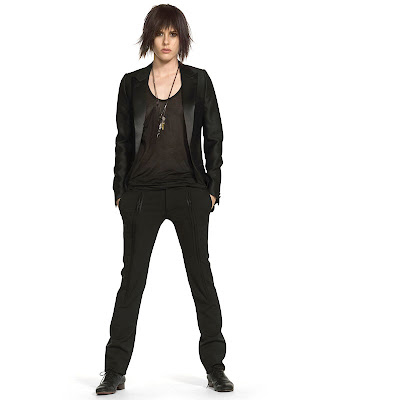 Kate Moennig Oh, thank God, Shane is looking very Shane today again.