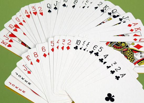 Permainan Kartu Remi 4 Orang