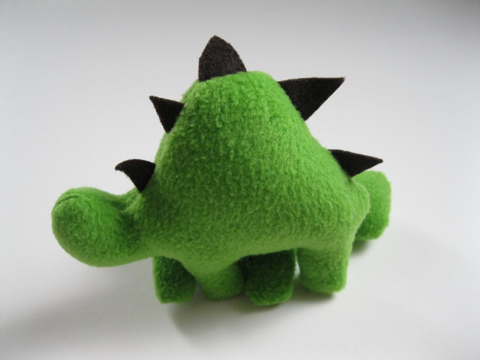 Monkey See, Monkey Do!: Stuffed Dinosaur Tutorial & Pattern