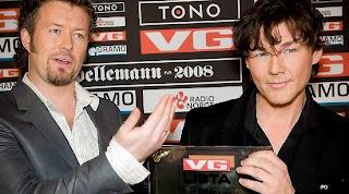 Mags e Morten recebem a premiação na Noruega. Foto - Side2