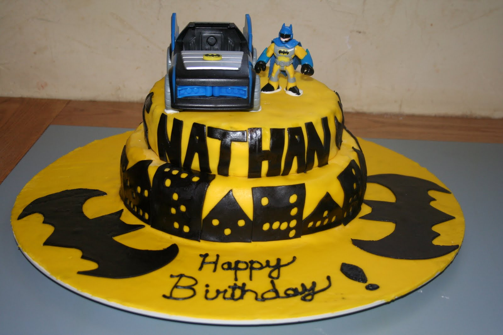 Kakie\'s Cakes: Batman Birthday Cake