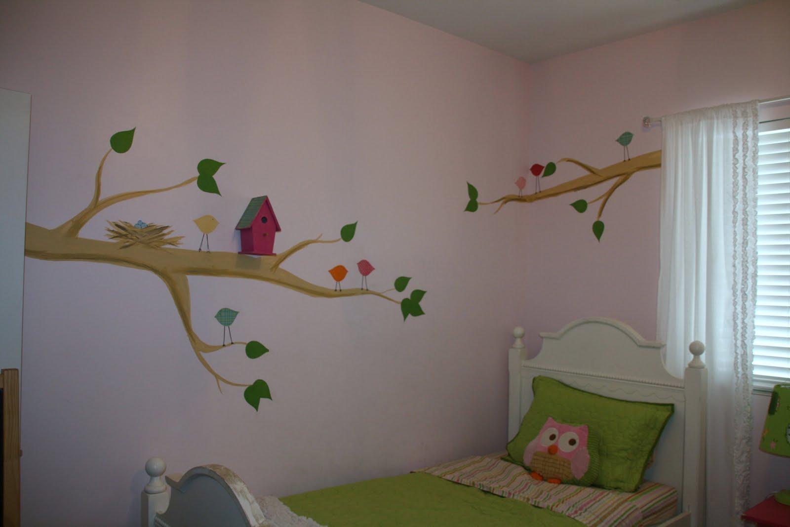 Remodelaholic revamped little girls room bird house - Paredes pintadas ...