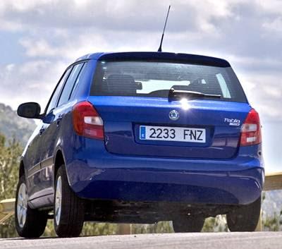 http://3.bp.blogspot.com/_1XknPAfZhcs/Sf2d-4fc4jI/AAAAAAAAINs/-a97BfUOjfE/s400/2007+Skoda+Fabia+rear.jpg