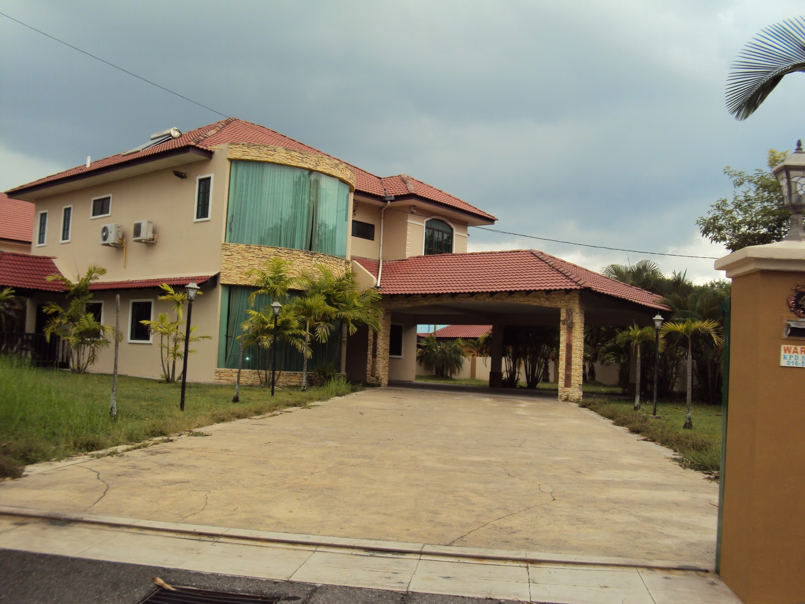 gladwin chat rooms Ipoh corner gated house for sale  the property has 5 rooms,  call the exclusive agent gladwin agilan at 012-5261000 for price and viewing.