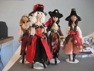 woman-pirate-dolls