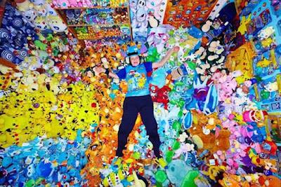 เจ้าของสถิติ นักสะสม โปเกม่อน มากที่สุดในโลก by wowboom