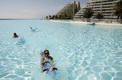 สระว่ายน้ำ ใหญ่ที่สุดในโลก