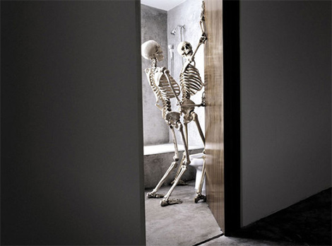 [ภาพ: Skeleton-on-Sex---.jpg]