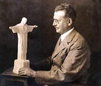 ผู้ออกแบบรูปปั้นพระเยซูคริสต์ นามว่า  Heitor da Silva Costa