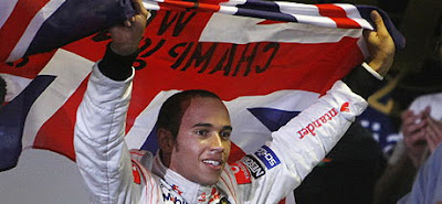 Lewis Hamilton นักแข่งรถของทีม Vodafone McLaren Mercedes
