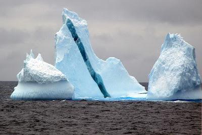 ภูเขาน้ำแข็ง ประหลาดๆ