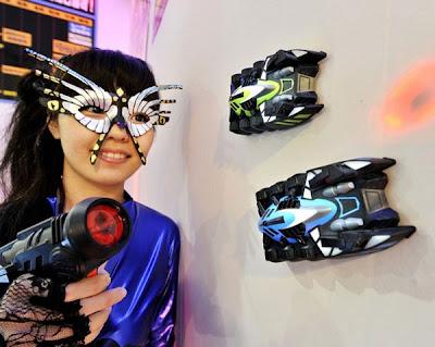 ของเล่นไฮเทค รถแข่งไต่ผนัง เพดาน ( Aero spoder laser)