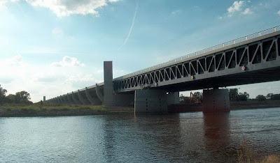 สะพานคลอง