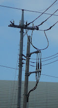 ケーブル終端接続部の支持は前の電柱にお任せ!!