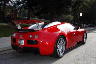 Red Bugatti Veyron-3