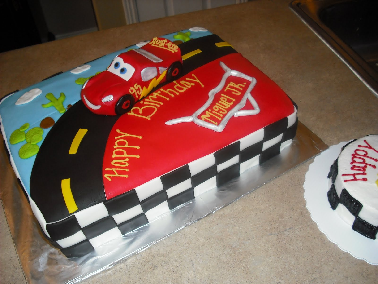 Cake Designs Disney Cars : Sprinklebelle: Disney Cars Cake