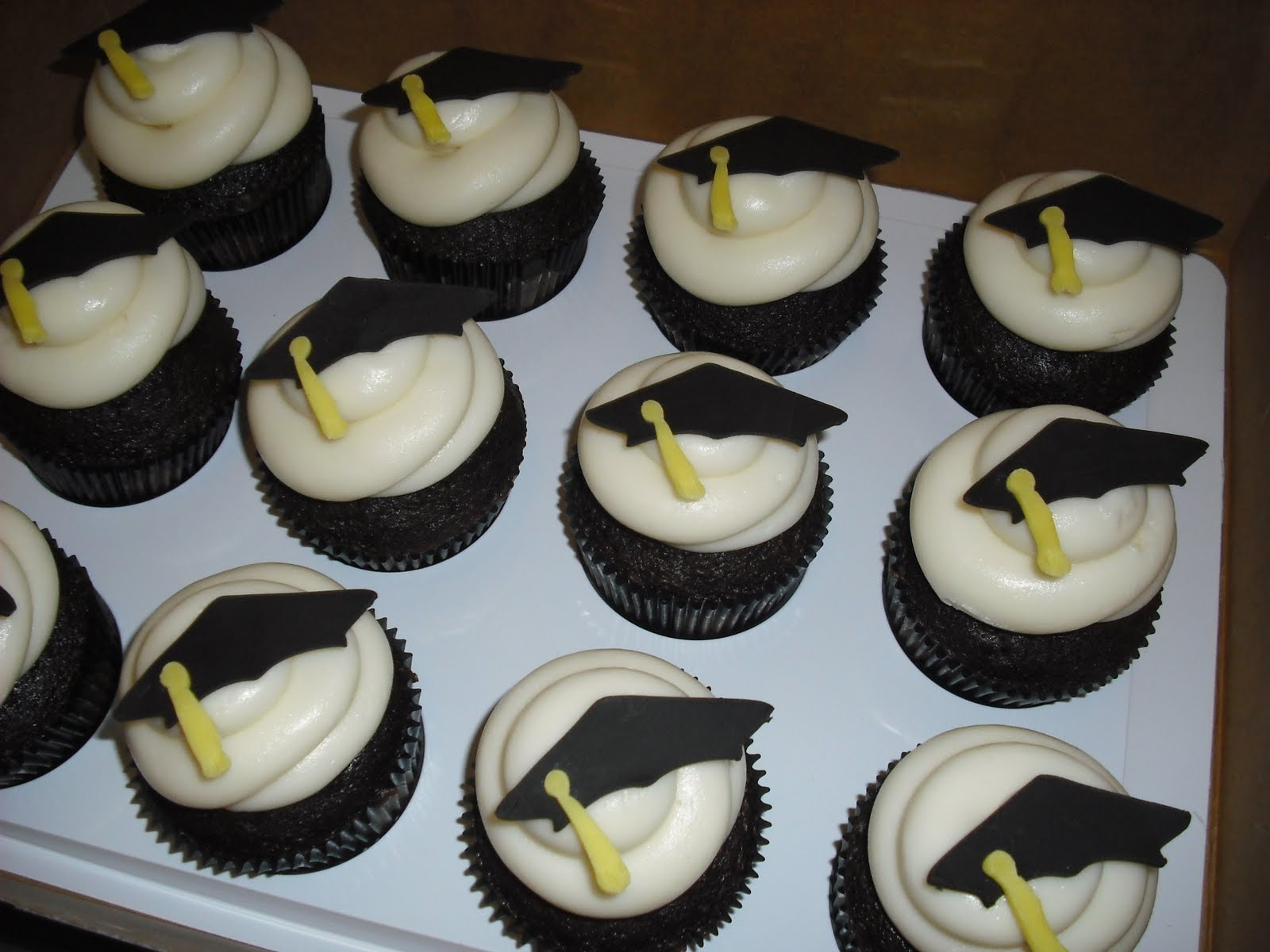 Cupcake Design For Graduation : Graduation Cupcakes With Cake Ideas and Designs