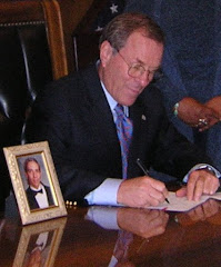 Governor Ted Kulongoski signs Aaron's Law