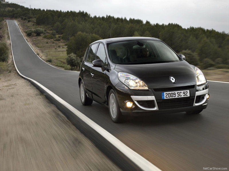 2010 Renault Scenic  wallpaper