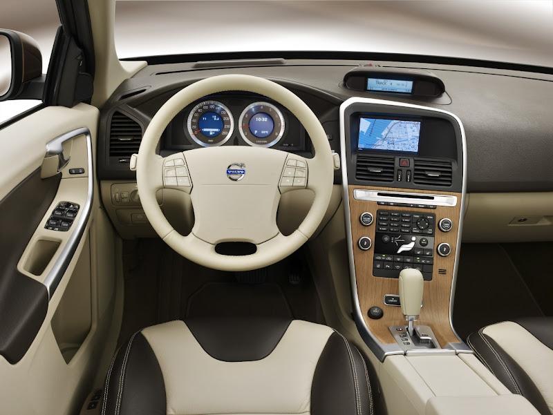 2010 New Volvo XC60 interior