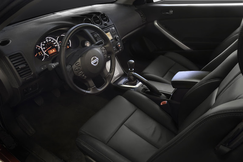 2011 New Nissan Altima Interior