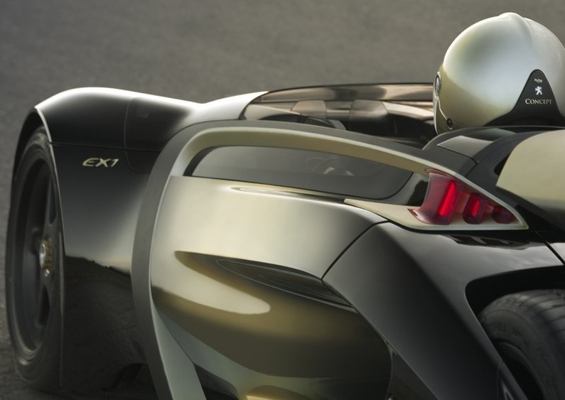 2010 Peugeot EX1 Electric Concept Car