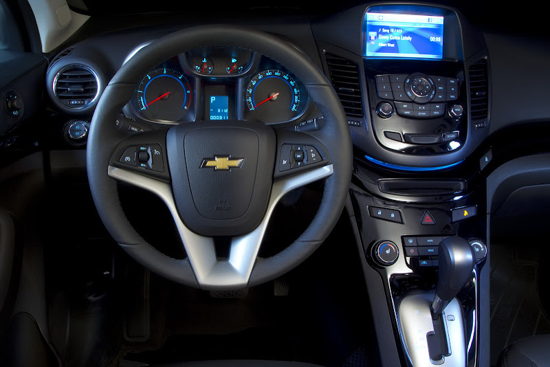 2011 Chevrolet Orlando MPV interior