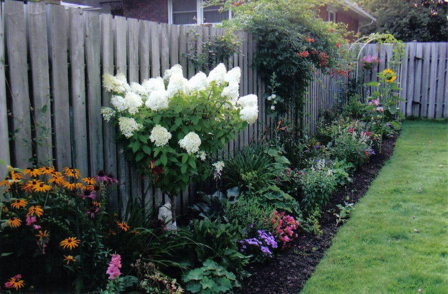 Made by marjorie mom 39 s garden before and after for Back garden designs before and after