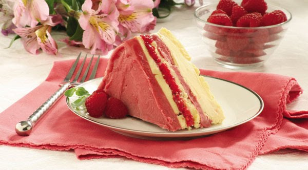 ... Easy Frozen Raspberry Layer Cake and Strawberry Shortcake Cupcakes