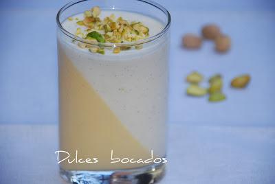 Panna cotta de mango y yogurt con aroma de vainilla