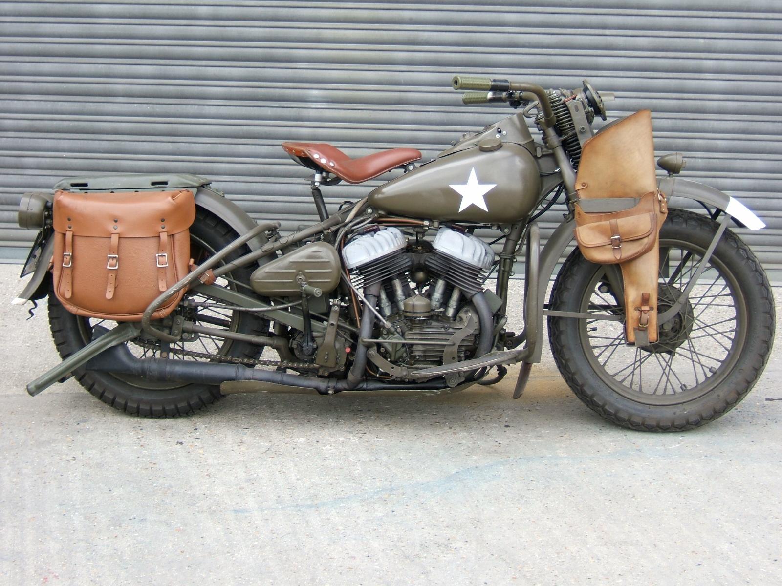 Classic Bikes 1600 x 1200 · 589 kB · jpeg