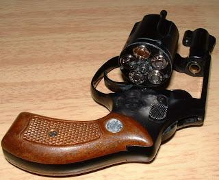 Revolver 38 Smith & Wesson Chiefs Special M36_001