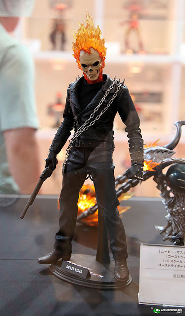 hot toys GHOST RIDER.  and BIKE! HTGR02s