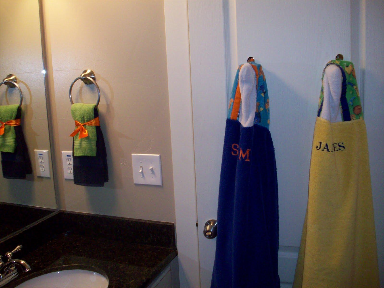 [Bathroom+for+the+Boys+(5).JPG]