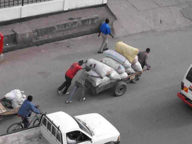 27 septembre - Scene de rue d`Arusha