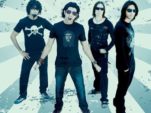 the world throug hmy eyes: Guitar Chords: Tum Ho Toh, Rock On!!