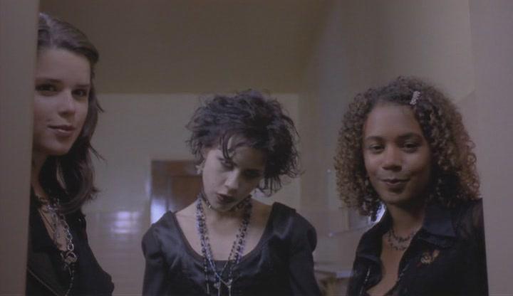 смотреть фильм про колдовство и ведьм