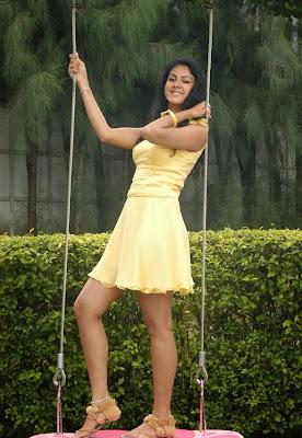 Actress Kamna Jetmalani  Hot  Photo Gallery cleavage
