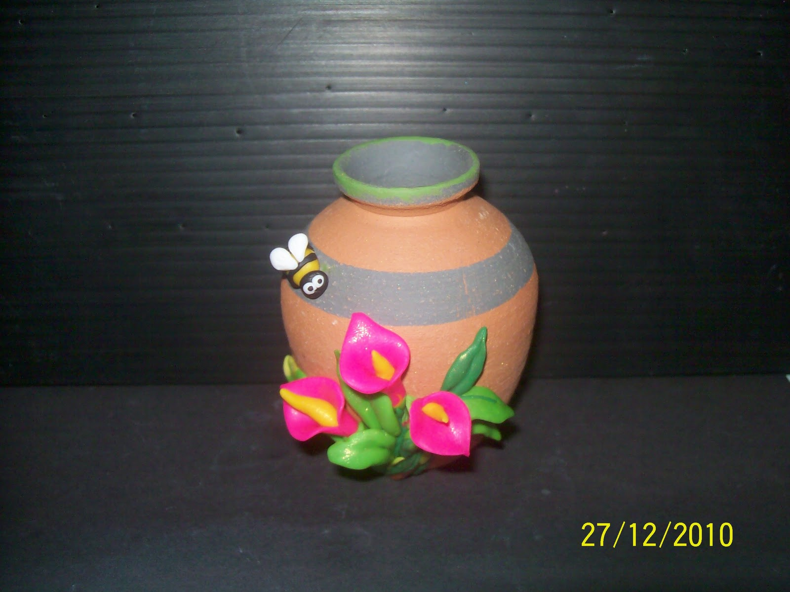 Claystationyong vase make with polymer clay for Clay mural making