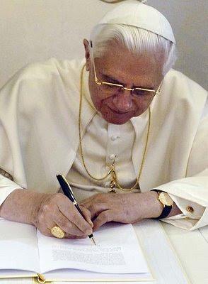http://3.bp.blogspot.com/_1qCv1fwoHmM/RkF4fov1h3I/AAAAAAAAFPI/2tpHRQsNIpc/s400/Benedicto_XVI.jpg