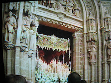 La Esperanza de Triana saliendo de la Catedral